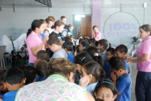 Honduran children respond to altar call